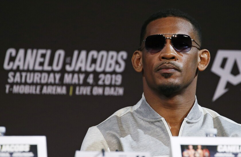 APphoto_Alvarez Jacobs Boxing
