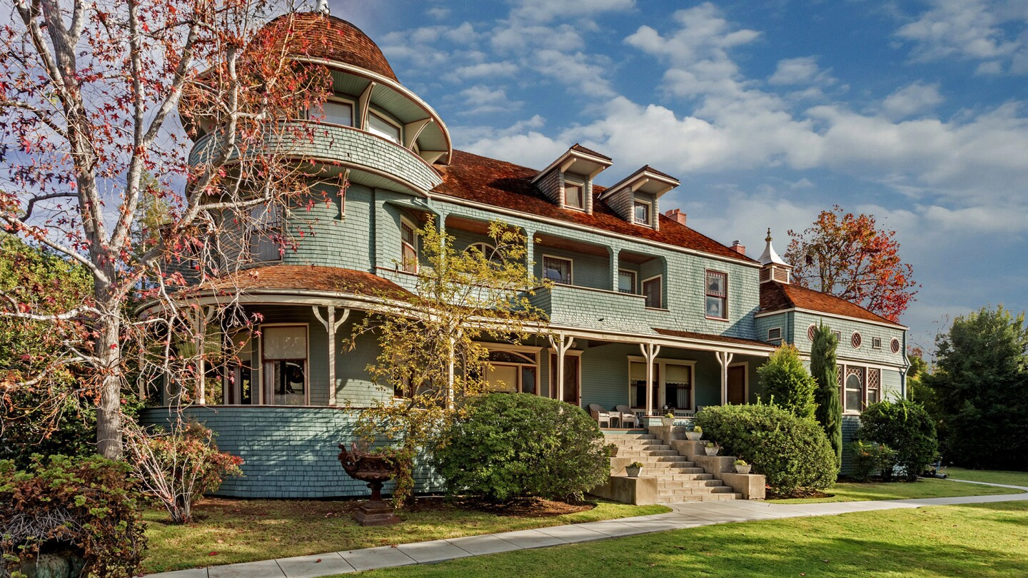 This 1888 mansion was owned by atlas publisher Andrew McNally, who often used it to entertain visitors from back East.