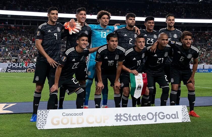La selección mexicana en la Copa Oro.