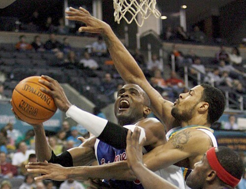 LAS ANGELES CLIPPERS AT NEW ORLEANS/OKLAHOMA CITY HORNETS BASKETBALL