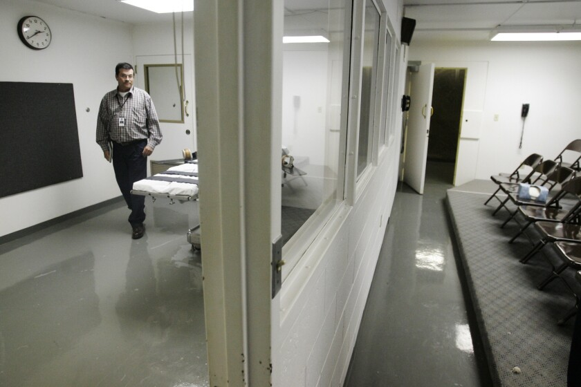 The witness room, right, and execution chamber, in which Oklahoma prison officials botched the execution of condemned killer Clayton Lockett in 2014.