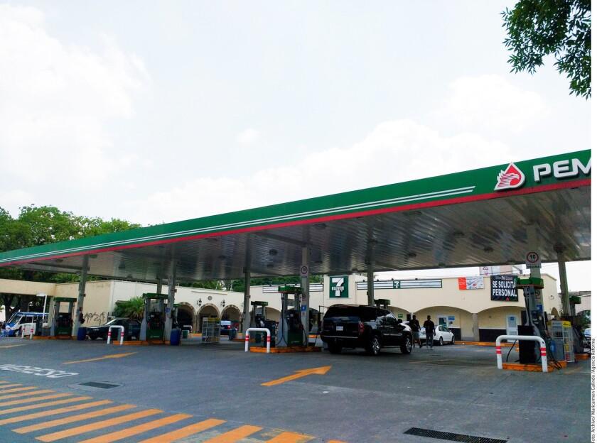Aunque aún no hay detalles sobre la política de precios de la gasolina, el paquete económico de 2017 propone adelantar la liberación de precios y también prevé un incremento en la recaudación por el Impuesto Especial sobre Producción y Servicios (IEPS).