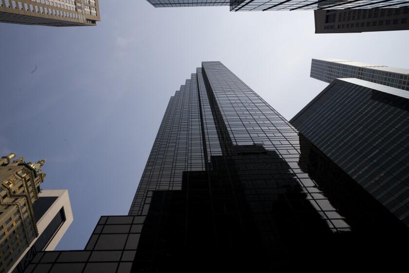 Foto tomada el 27 de agosto del 2018 de la Trump Tower en Nueva York. (AP Photo/Mark Lennihan, File)