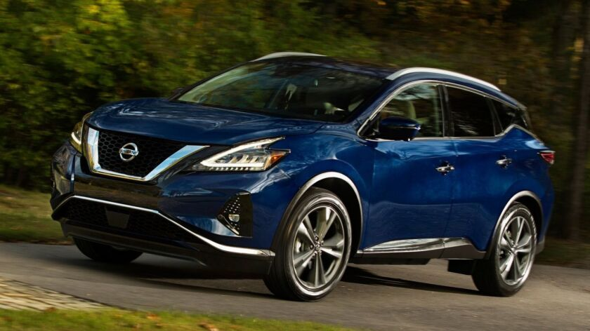The 2019 Murano's exterior has a more pronounced front V-motion grille, redesigned LED headlights