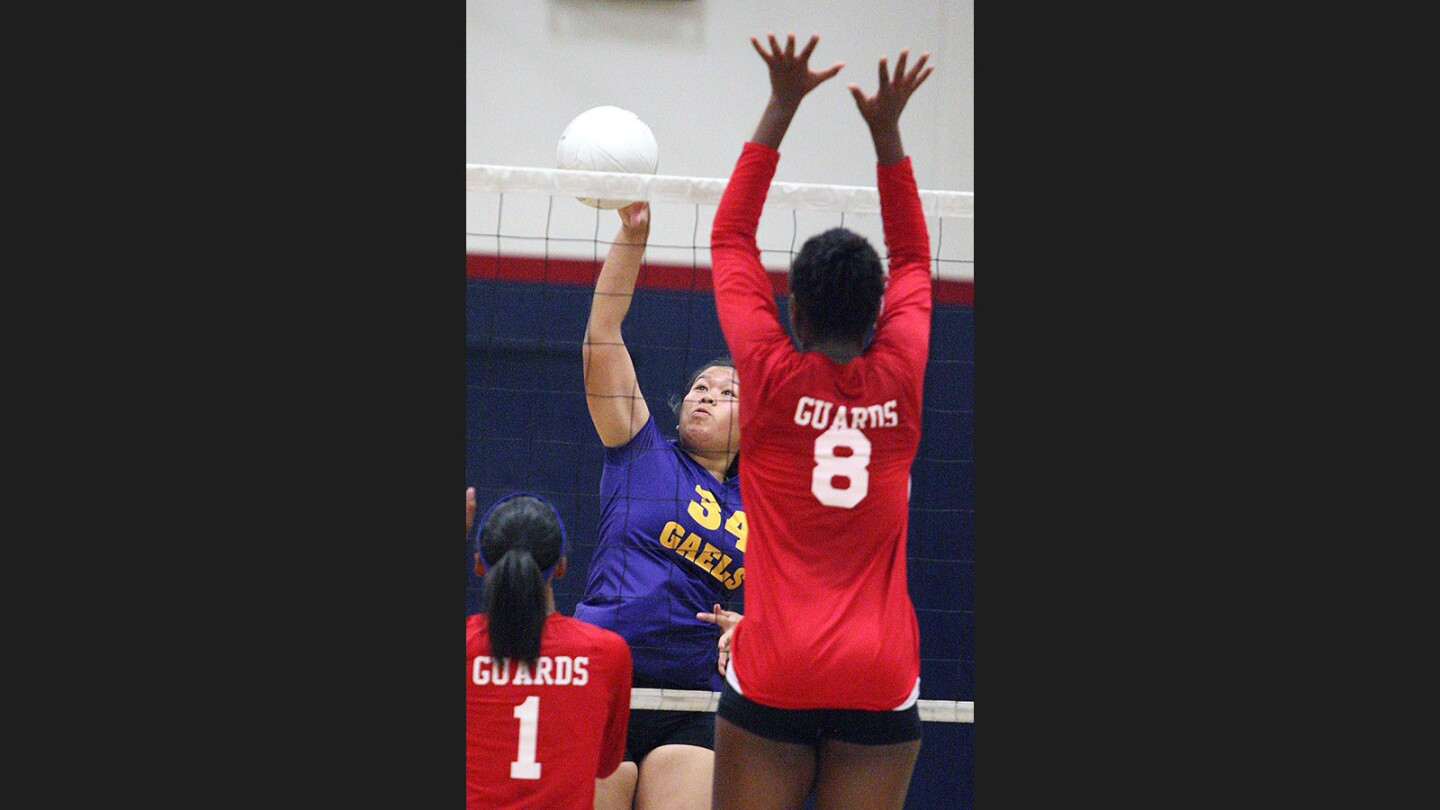 Photo Gallery: Holy Family vs. Bell-Jeff girls' volleyball