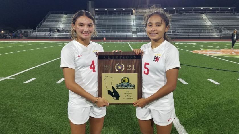 Harvard-Westlake soccer players Gisele and Alyssa Thompson.