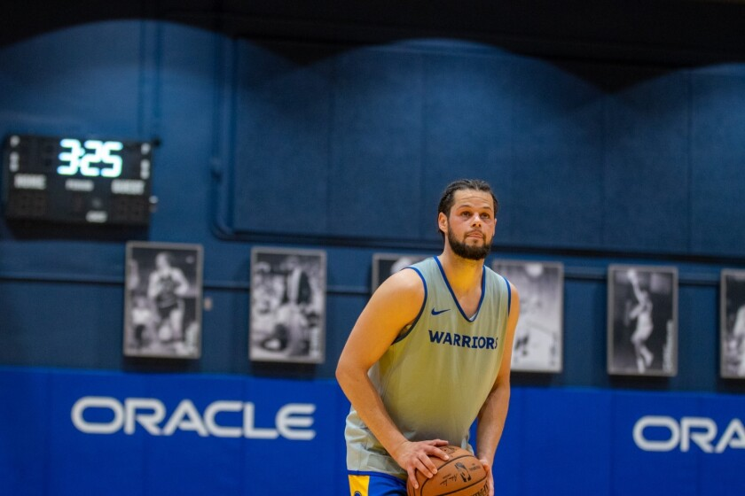 Jordan Schakel's first NBA workout was with the Golden State Warriors, and now he's signed with them.
