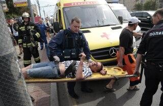 20 dead in Moscow subway derailment