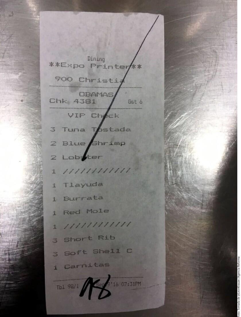 """La visita de la familia Obama al restaurante del mexicano Enrique Olvera en Nueva York implicó un llamado a """"no perder la tranquilidad y confianza hacia el futuro"""", afirmó hoy el chef a Efe."""
