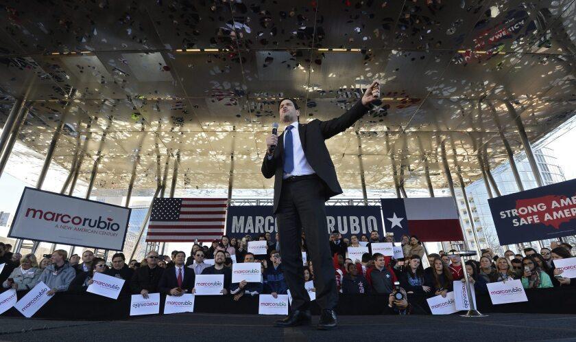 Marco Rubio había viajado a Texas días antes. El la foto el precandidato republicano a la Casa Blanca pronuncia un discurso durante un acto electoral celebrado en Dallas, Texas, Estados Unidos, el 26 de febrero del 2016. EFE/Larry W. Smith