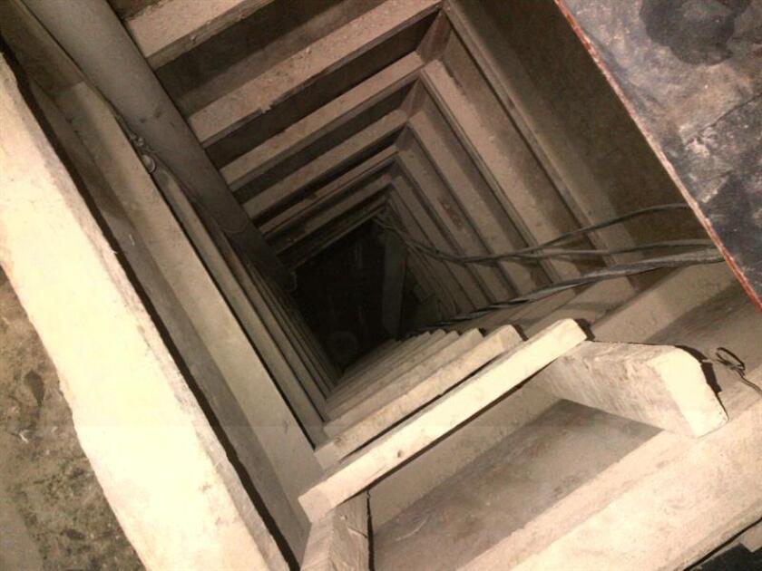 Las autoridades mexicanas hallaron dos túneles clandestinos en la fronteriza ciudad de Tijuana que eran supuestamente usados por el cártel de Sinaloa para mover drogas hacia Estados Unidos, informó hoy la fiscalía general. EFE/ARCHIVO