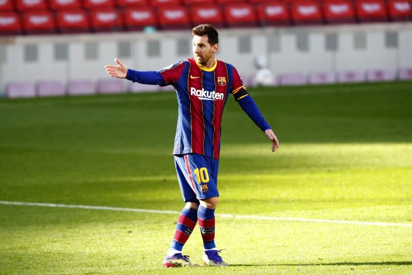 El delantero argentino del Barcelona Lionel Messi gesticula