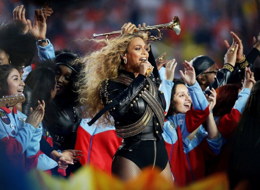 SANTA CLARA, CA - FEBRUARY 07: Beyonce performs during the Pepsi Super Bowl 50 Halftime Show at Levi's Stadium on February 7, 2016 in Santa Clara, California.  (Photo by Patrick Smith/Getty Images) ** OUTS - ELSENT, FPG, CM - OUTS * NM, PH, VA if sourced by CT, LA or MoD **