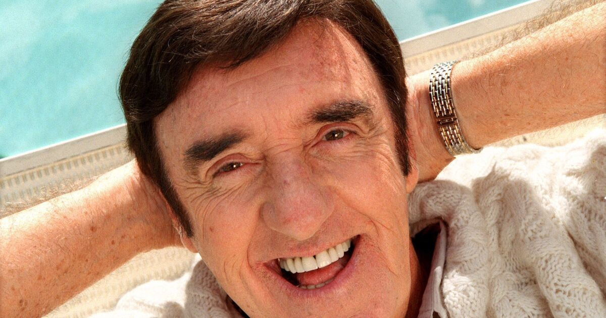 Jim Nabors Tv S Lovably Naive Gomer Pyle Dies At 87 Los Angeles Times Hawaii news now reports jim nabors and his partner, stan cadwallader, traveled from their honolulu home to seattle to be married jan. jim nabors tv s lovably naive gomer