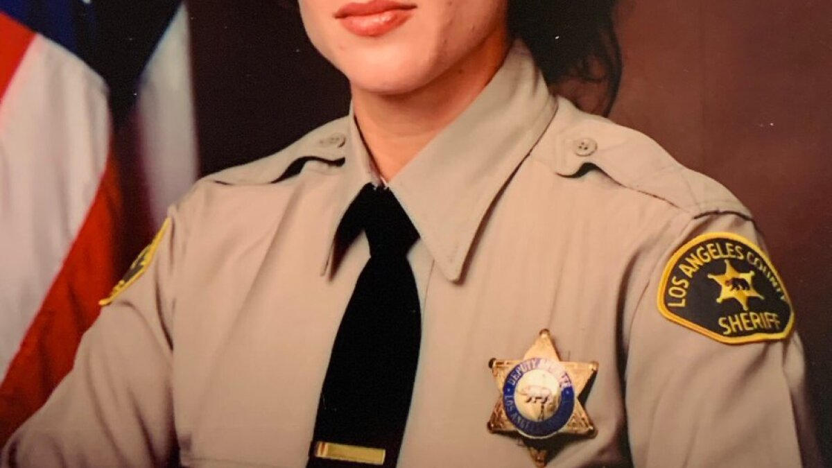 Off-duty L.A. County sheriff's detective struck and killed while rendering aid