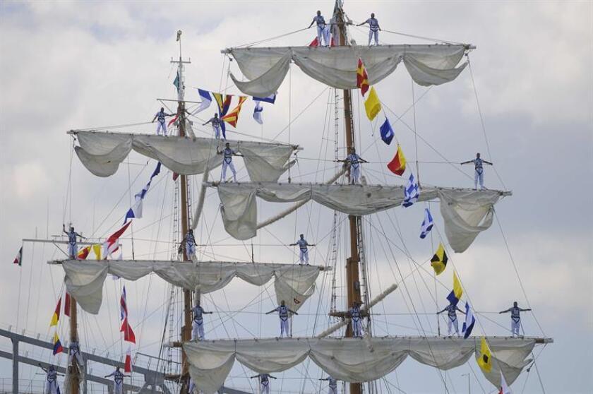 """Cadetes del buque escuela """"Cuauhtemoc"""" de la Armada Mexicana. EFE/Archivo"""