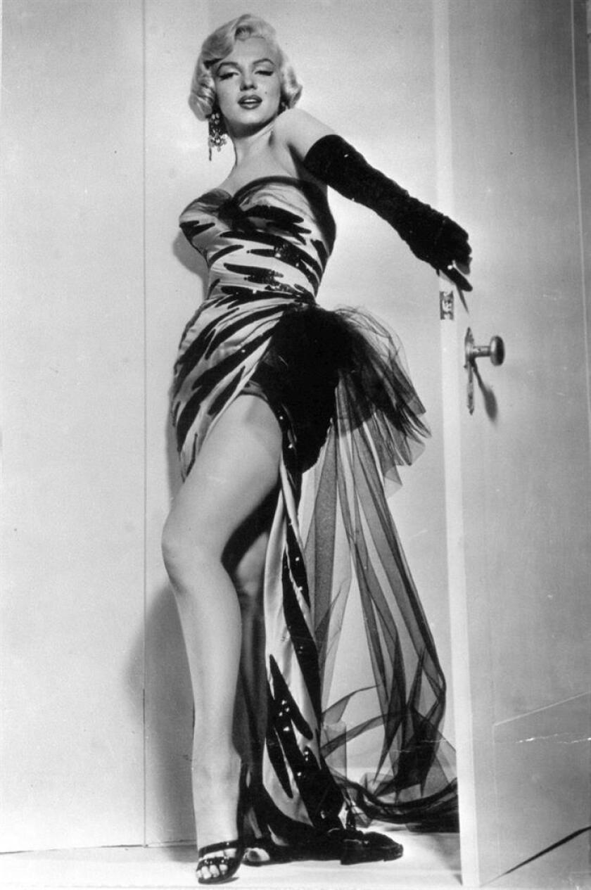 """Imagen de Marilyn Monroe durante el rodaje de """"Los caballeros las prefieren rubias"""", una de sus peliculas mas conocidas. EFE/Archivo"""