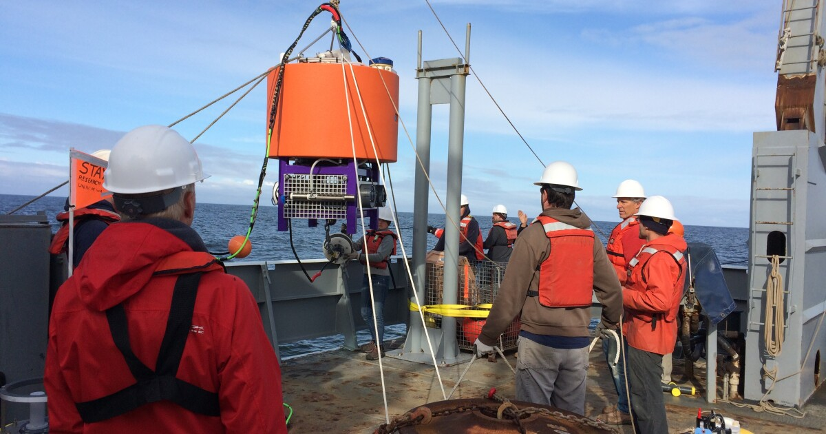 Ocean robots take the pulse of our planet by measuring microbes - Los Angeles Times