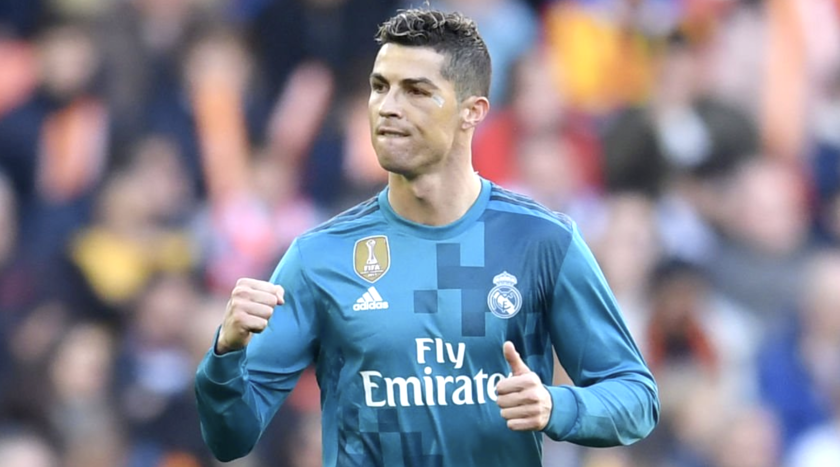 Cristiano Ronaldo celebra su segundo gol en la victoria (4-1) del Real Madrid sobre Valencia.