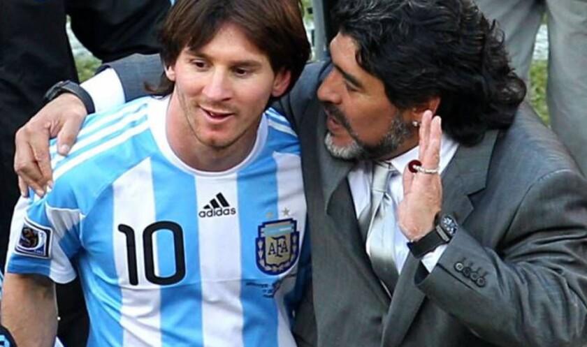 Messi y Maradona... otros tiempos.