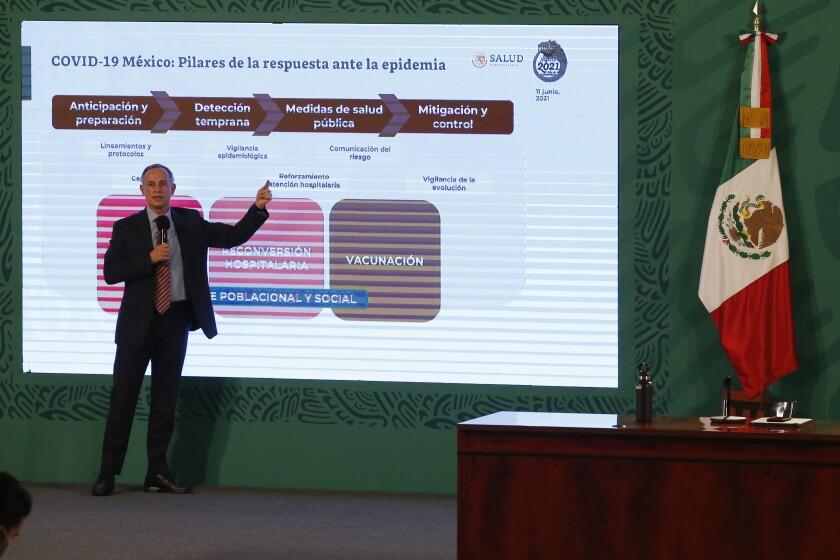 El subsecretario de Salud de México, Hugo López-Gatell, habla el viernes 11 de junio de 2021
