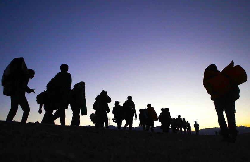 Un grupo de migrantes en Mexicali, México.