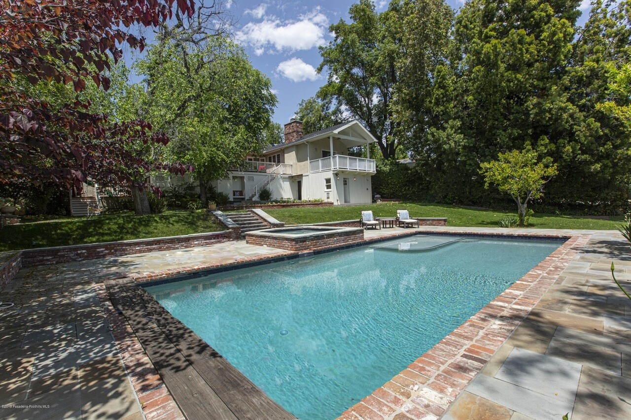 Topher Grace's home in La Cañada Flintridge