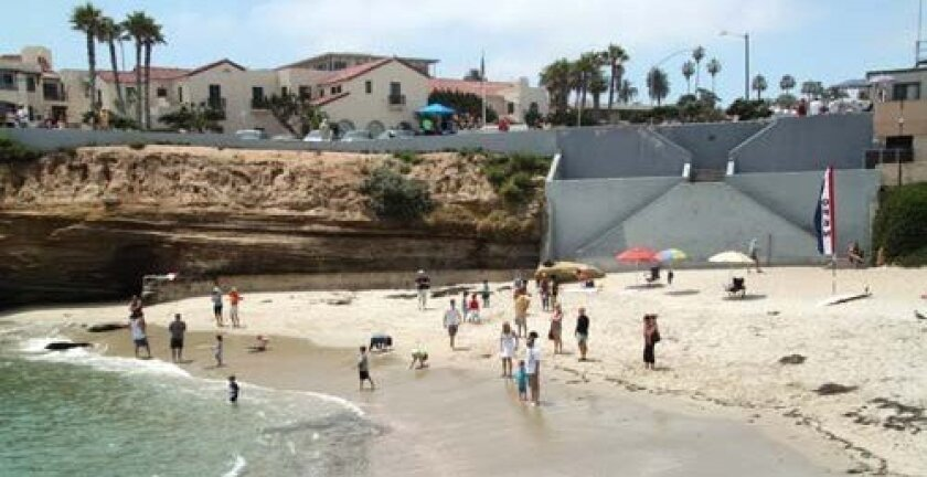 With the rope down, families have been on the beach at the children's pool. Photo: Giovanni Moujaes
