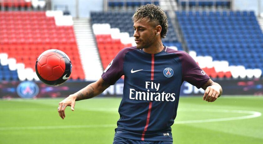 El Paris Saint Germain de Neymar busca un nuevo -y millonario- patrocinador principal para su jersey.