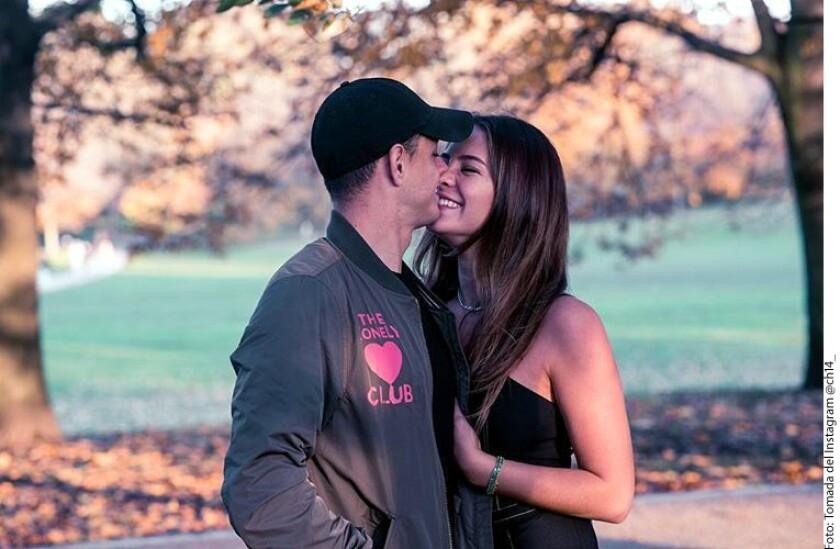 Javier Hernández con su ahora esposa Sarah Kohan. La pareja se casó en San Diego.
