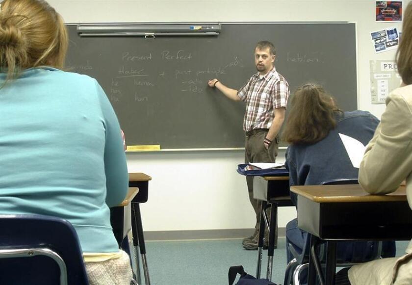 """Las escuelas de Colorado entrenarán a maestros, administradores y personal de mantenimiento para que """"participen de la lucha contra la creciente ola de suicidios juveniles"""", informó hoy el Departamento de Salud Pública y Medio Ambiente (CDPHE). EFE/Archivo"""