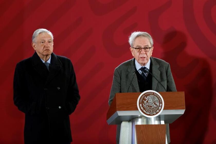 El presidente de México, Andrés Manuel López Obrador (i), y el ministro de Salud, Jorge Alcocer. EFE/Archivo