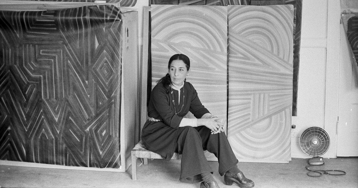 Painter Luchita Hurtado, who became an art star in her late 90s, has died at 99