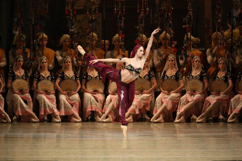"""Oxana Skorik performs in the Mariinsky Ballet's """"La Bayadere"""""""