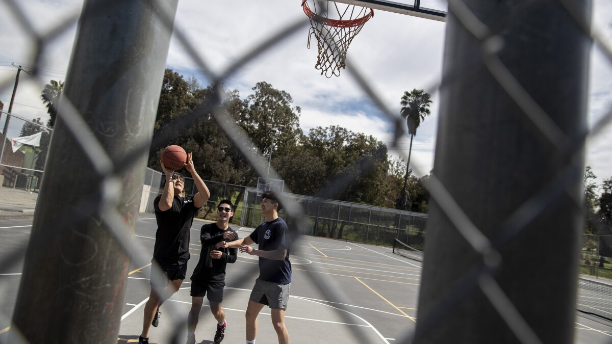 Coronavirus California Parks Still Open To An Extent Los Angeles Times