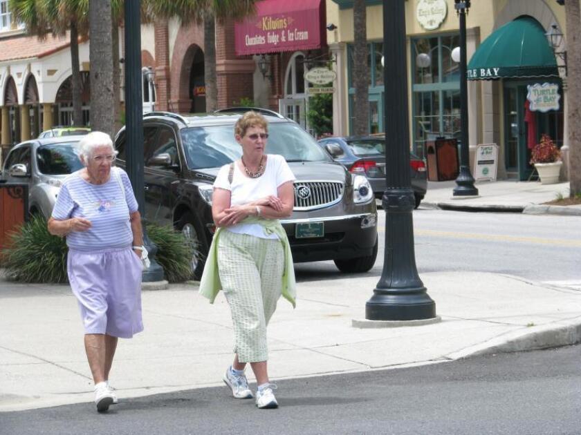 Los ancianos son más propensos a ser robados por familiares que por extraños