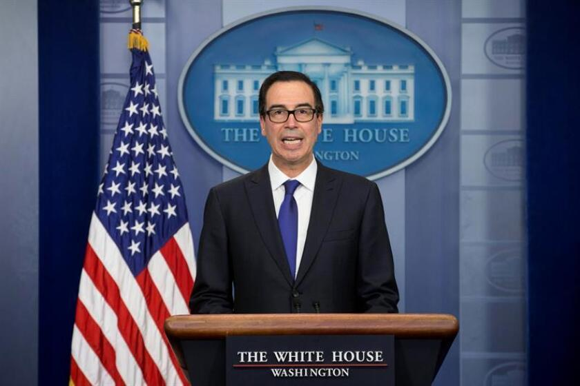 El secretario del Tesoro de los Estados Unidos, Steven Mnuchin, habla durante una rueda de prensa. EFE/Archivo