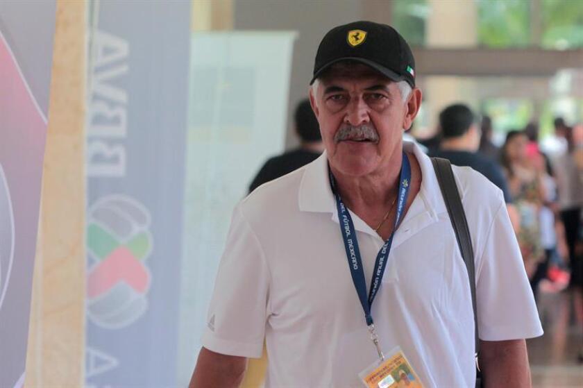 Imagen de archivo del técnico del club Tigres Ricardo Ferretti. EFE/Archivo