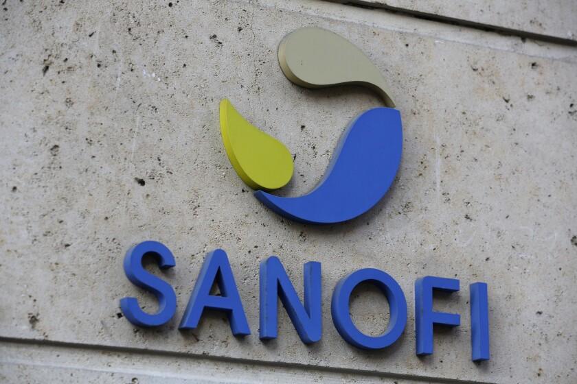En esta imagen de archivo del 30 de noviembre de 2020, el logo de la farmacéutica Sanofi
