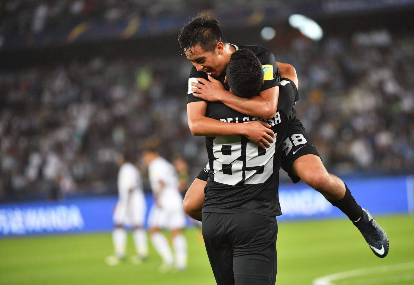 El Pachuca culminó con éxito su participación en el Mundial de Clubes al lograr el tercer puesto, el mejor de su historia en el torneo, con goleada (4-1) sobre el Al Jazira, incapaz de hacer frente al combinado mexicano.