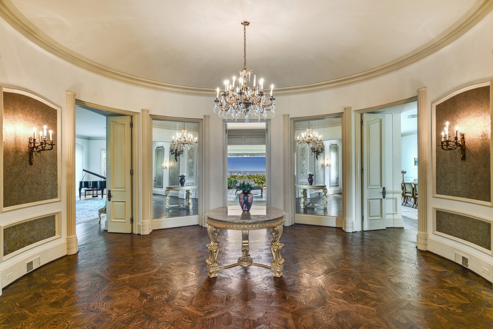 Zsa Zsa Gabors onetime home in Bel-Air fetches $20.8