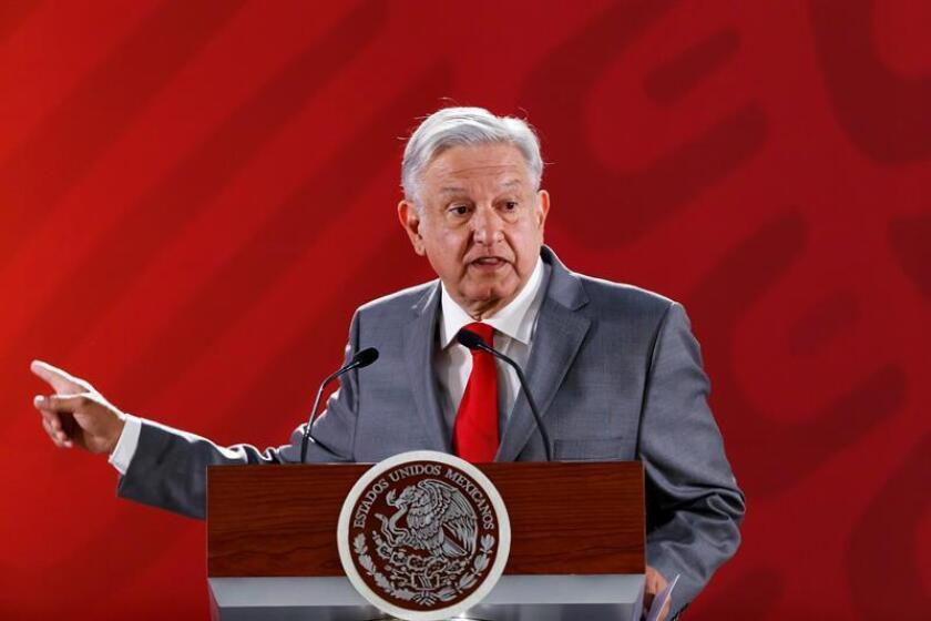 El presidente de México, Andrés Manuel López Obrador, habla en rueda de prensa en el Palacio Nacional, en Ciudad de México (México). EFE/Archivo