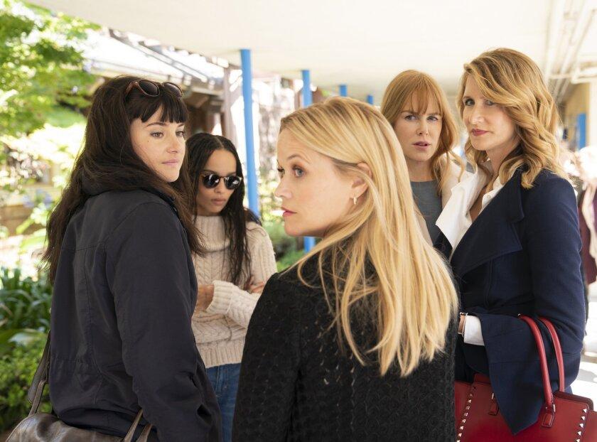 (L-R) Shailene Woodley, Zoë Kravitz, Reese Witherspoon, Nicole Kidman, Laura Dern in a scene from Se