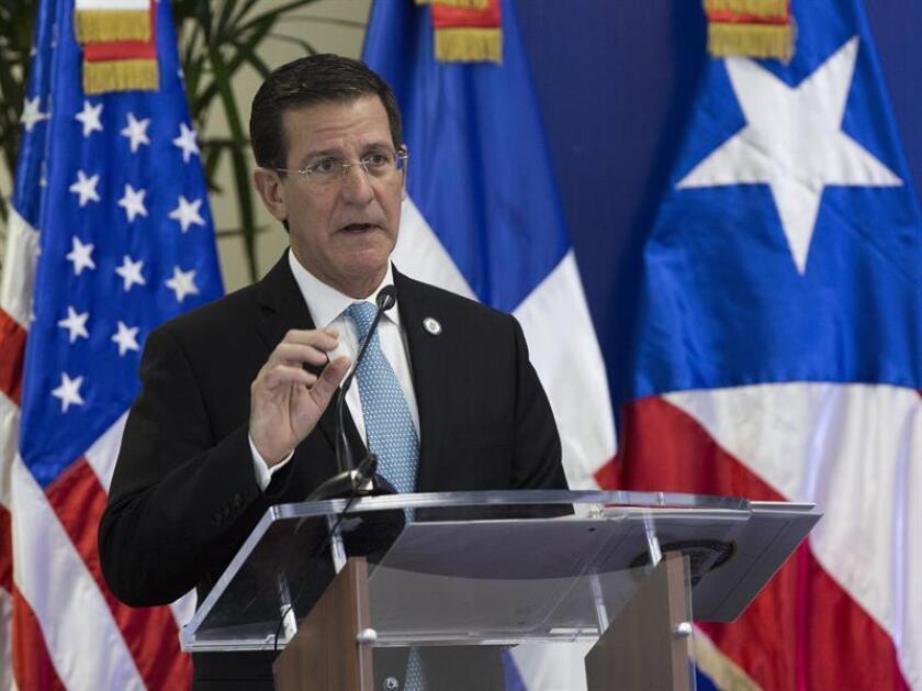 El secretario de Estado de Puerto Rico, Luis G. Rivera, siguió inspeccionando los trabajos de construcción de las nuevas instalaciones del terminal de la Autoridad de Transporte Marítimo (ATM) en la antigua base militar Roosevelt Roads, en Ceiba, al extremo este de la isla. EFE/Archivo