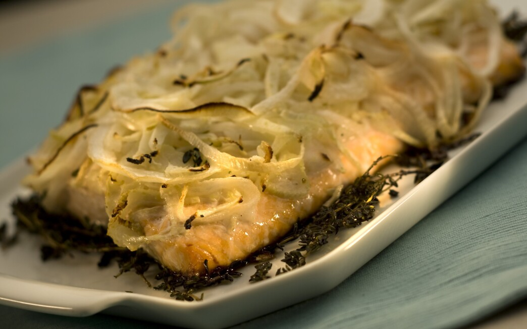 Roasted salmon with marinated fennel and thyme
