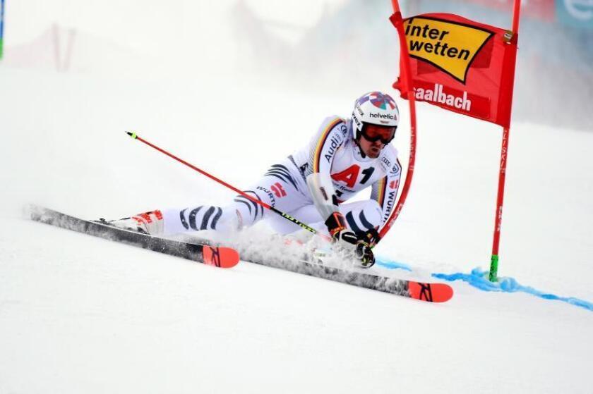 El alemán Stefan Luitz en acción durante una prueba de la copa del mundo el pasado diciembre en Austria. EFE/Archivo.