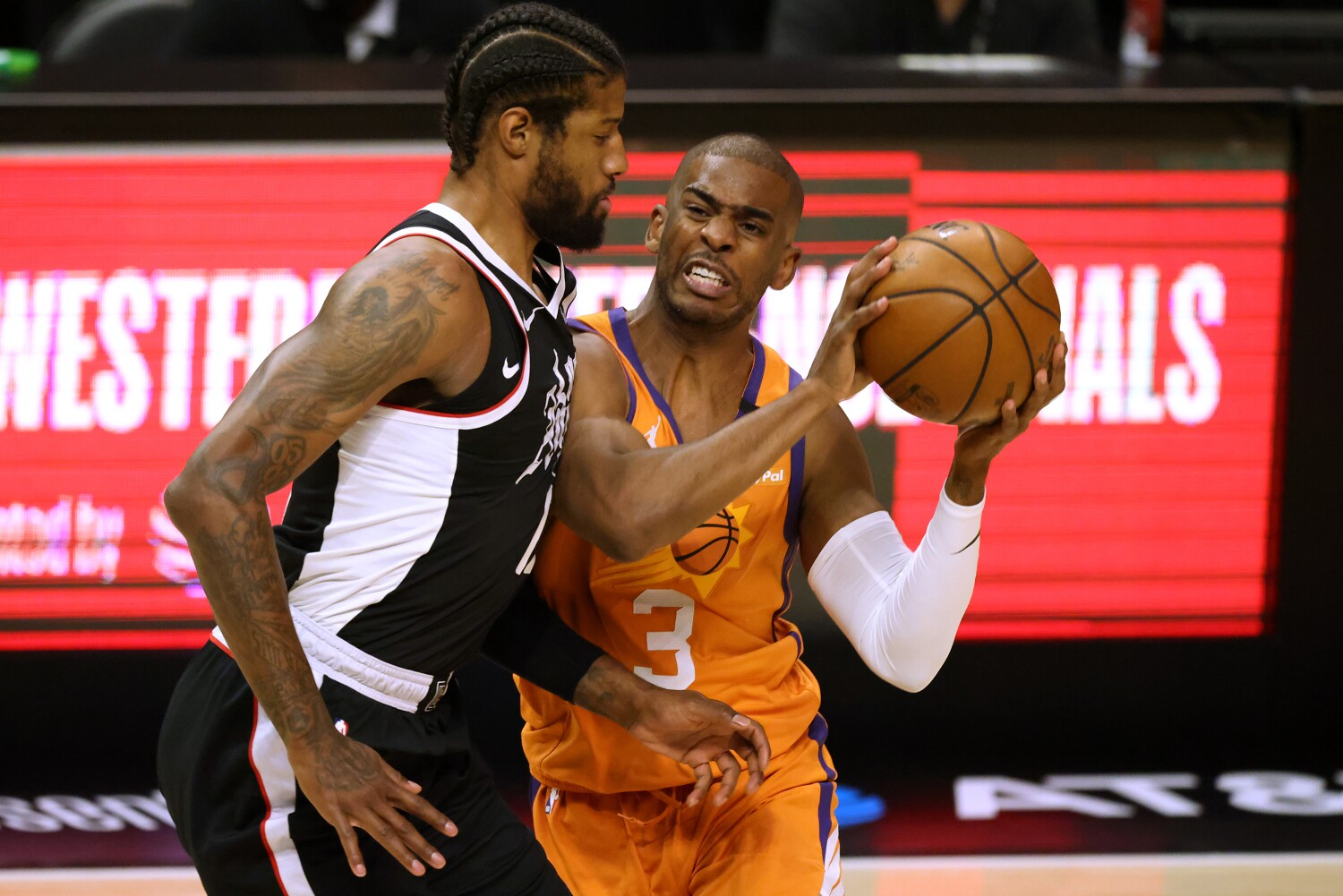 Chris Paul can't change the past, but present might be in his hands