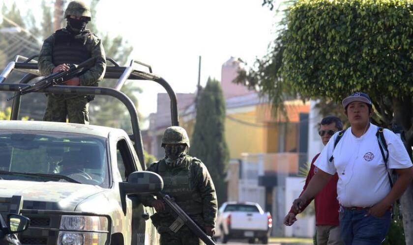 Autoridades mexicanas localizan vehículo con 3.600 litros de gasolina