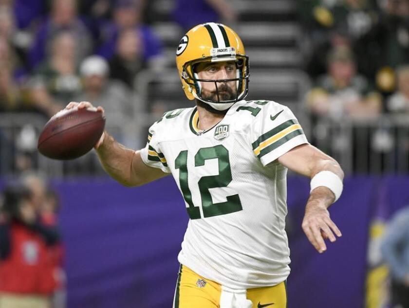 En la imagen, el mariscal de campo de los Packers de Green Bay, Aaron Rodgers. EFE/Archivo