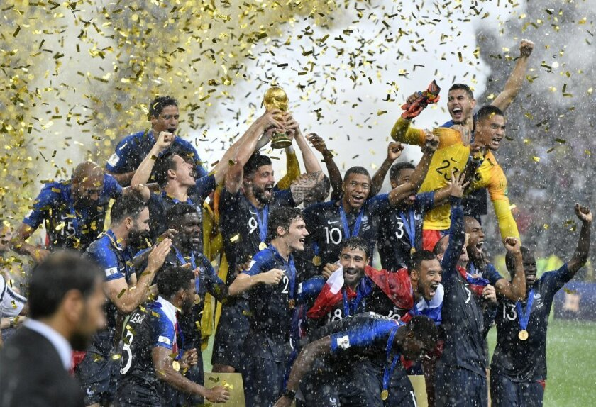 Trump felicita a Francia por ganar el Mundial de Rusia 2018… y a Putin
